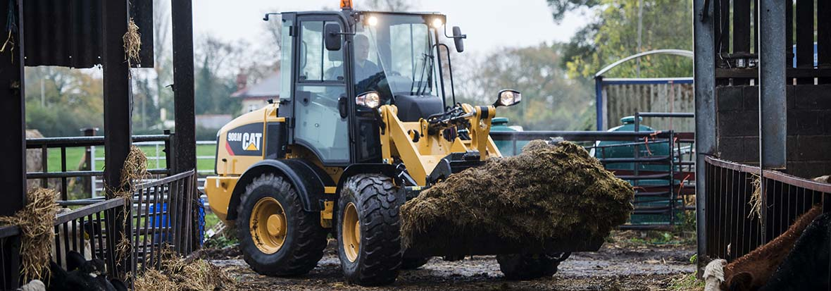 Finning Wheel Loader with compost