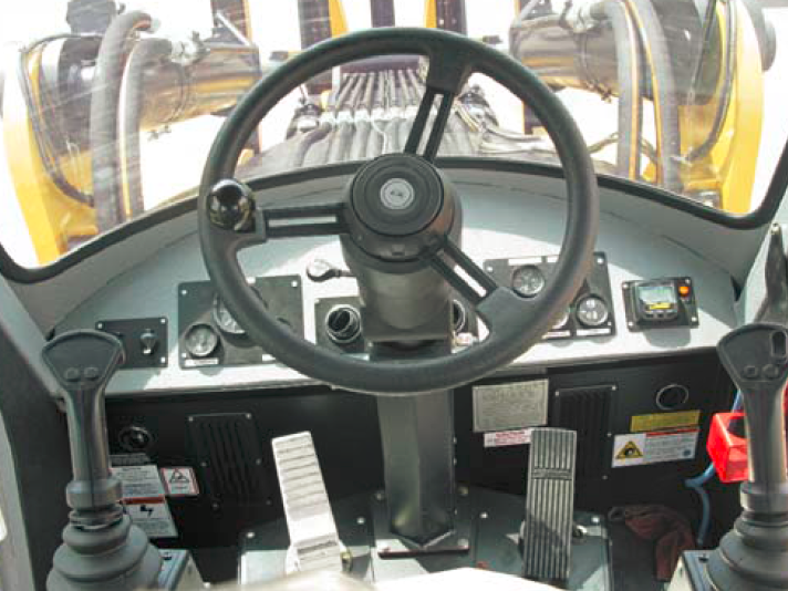 Wagner 2WD Log Stacker L60 - Interior Cab
